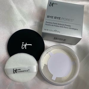 it cosmetics Makeup - IT Bye Bye Pores Silk HD Anti-Aging Micro-Powder